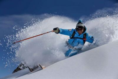 be2393f52 ... je zabezpečiť si kvalitné lyžiarske oblečenie. V tomto článku si  povieme konkrétne o lyžiarskych nohaviciach. Aké parametre si všímať a ako  vyberať.